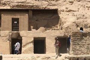 Ai Cập phát hiện một khu mộ cắt đá 3.500 năm tuổi tại Luxor
