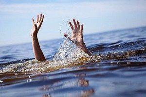 2 anh em sinh đôi chết đuối khi cùng nhóm bạn ra ao làng tắm
