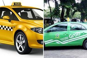 Hiệp hội Taxi TP.HCM kiến nghị Grab phải gắn hộp đèn trên nóc để đảm bảo tính công bằng trong kinh doanh