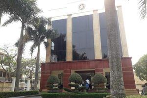 Bắt quả tang cán bộ thanh tra tỉnh Thanh Hóa nhận tiền của người dân