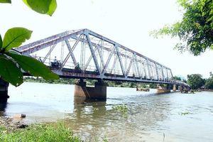 Người dân tiếc nuối khi cây cầu hơn 100 năm tuổi bị tháo dỡ