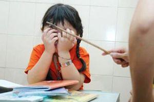 Bác bỏ khả năng cô giáo gây thương tích mắt cho học sinh