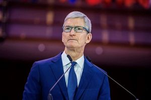 Không phải Steve Jobs, Tim Cook mới là CEO tốt nhất Apple từng có