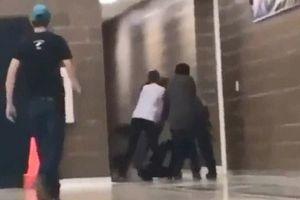Nóng nhất hôm nay: Giáo viên thể dục ra tòa vì đánh học sinh như phim