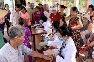 600 hộ dân nghèo Cà Mau được khám bệnh, cấp thuốc miễn phí