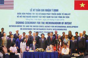 Việt Nam - Hoa Kỳ ký biên bản hỗ trợ người khuyết tật