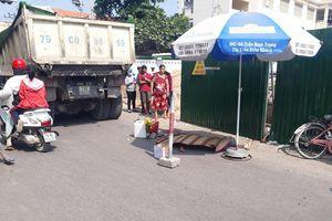 Trên đường đi chợ về, người phụ nữ bị xe ben cán tử vong thương tâm