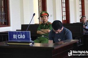 Nước mắt người cha tại phiên tòa xét xử con trai buôn ma túy