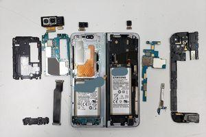 Samsung Galaxy Fold vừa đến tay đã bị 'rã máy'