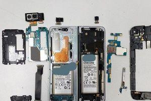 'Giải phẫu' khám phá nội thất bên trong siêu phẩm màn hình gập Samsung Galaxy Fold