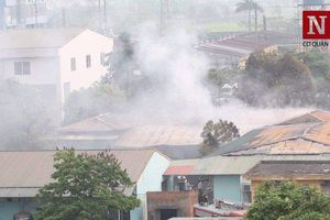 Cháy lớn tại công ty dược phẩm Armephaco Hà Nội lúc rạng sáng