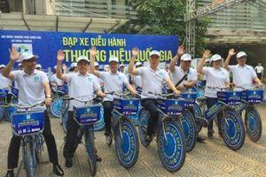Đạp xe diễu hành quảng bá thương hiệu và hình ảnh Việt Nam