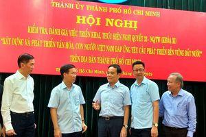 Xây dựng và phát triển văn hóa, con người Việt Nam đáp ứng yêu cầu phát triển bền vững