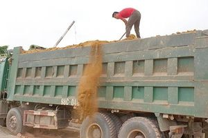 Bắc Giang sẽ 'bêu tên' lái xe chở quá tải