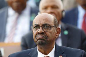 Phát hiện hàng triệu euro tiền mặt trong nhà cựu Tổng thống Sudan