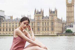 Ngắm hình check-in du lịch sang chảnh của hot girl Lào gốc Việt