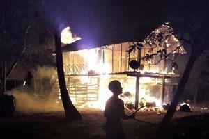 Gia Lai: Cháy nhà sàn trong đêm khiến một bé gái thiệt mạng