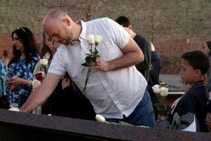Người dân Colorado kỷ niệm 20 năm vụ xả súng đẫm máu Columbine