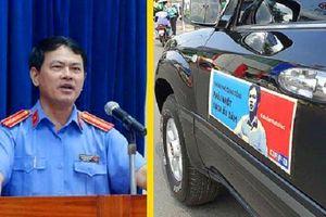 Chuyên gia pháp lý lên tiếng vụ ô tô dán hình Nguyễn Hữu Linh diễu hành trên phố