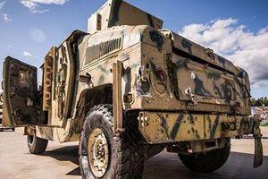 Choáng với cách Quân đội Lybia biến Humvee thành pháo tự hành