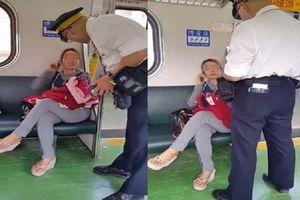 Trốn vé khi đi tàu, người phụ nữ Việt gây xôn xao báo chí Đài Loan
