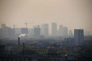 Trung Quốc: Thành phố Đường Sơn ban bố cảnh báo khói bụi cấp hai từ ngày 20/4