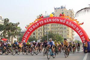 Sầm Sơn (Thanh Hóa): Giải đua xe đạp mở rộng có 400 tay đua tranh tài