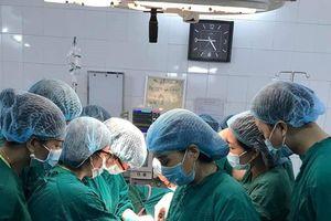 Cứu sống một bệnh nhân bị vỡ tử cung, sốc mất máu nặng