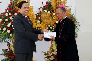 Chủ tịch UBMTTQVN Trần Thanh Mẫn thăm Tòa giám mục Phan Thiết