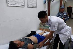 Điều máy bay đón bệnh nhân ở Trường Sa vào đất liền cấp cứu