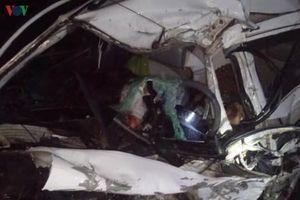 Xe con va chạm xe khách giường nằm, 2 người tử vong tại chỗ