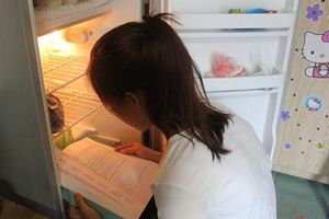 Chùm ảnh: Mới chớm hè, sinh viên đã kịp sáng tạo những cách chống nóng 'bá đạo'