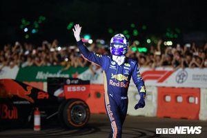 Tay đua F1 lừng danh vừa 'hâm nóng' đường đua Việt Nam Grand Prix là ai?