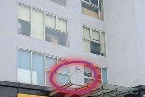 Trẻ rơi từ tầng 11 chung cư: Truy trách nhiệm ai?