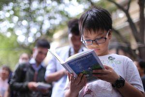 Tạo thói quen đọc sách cho trẻ từ trường học