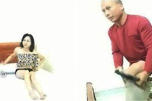 Vụ 2 giáo viên khỏa thân trong nhà nghỉ ở Lạng Sơn: Người chồng đệ đơn ly hôn