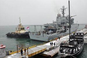 Tàu trinh sát mang 4 súng phóng lựu của Hải quân Anh tiến vào Biển Đen