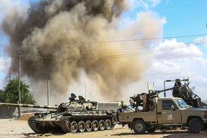 Không kích rung chuyển thủ đô Libya