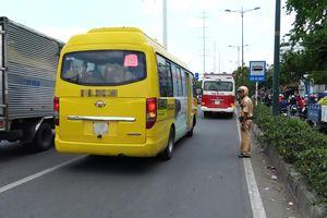 Tài xế xe khách bị phạt vì không thắt dây an toàn: Vội quá nên tôi quên