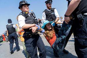 Anh: Người biểu tình chống biến đổi khí hậu yêu cầu đàm phán với chính phủ