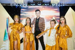 Hình ảnh Ai Cập cổ đại nổi bật tại Lễ công bố Tuần lễ thời trang trẻ em quốc tế Việt Nam 2019