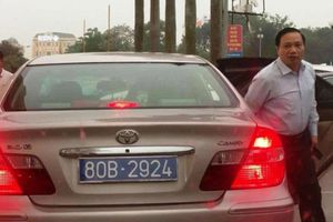 Thu hồi 2 biển xanh gắn cùng 1 xe của Phó bí thư tỉnh Ninh Bình