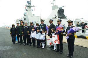 Hai biên đội tàu của Việt Nam đã cập cảng Thanh Đảo