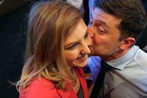 Truyền thông Ukraine không ngừng đăng tải thông tin tiểu sử vợ ông Zelensky