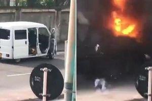 Video cận cảnh chiếc xe phát nổ bên ngoài nhà thờ ở Colombo