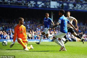Everton 4-0 M.U: Đến lượt Solsa bị phản?