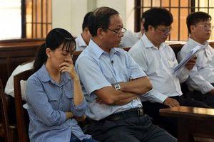 Hoãn xử nguyên Trưởng phòng Nội vụ TP Biên Hòa 'ăn chặn' tiền thi đua
