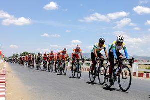 Cuộc đua xe đạp Cúp Truyền Hình: Ru ngủ… chờ thời cơ