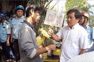 Ông Đoàn Ngọc Hải 'tuyên chiến' với nạn thả chó rông ở quận 1