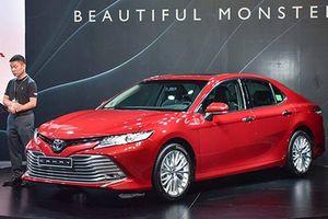 Ra mắt Toyota Camry 2019 giá hơn 1 tỷ đồng tại Việt Nam